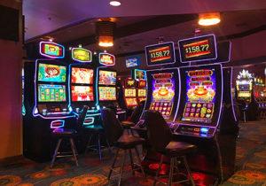 Slots: Real money vs free games